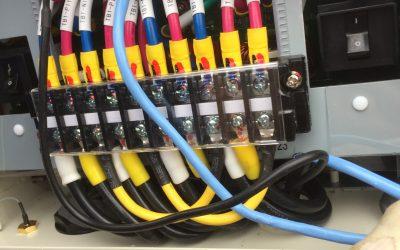 パワコンのパネル接続端子です