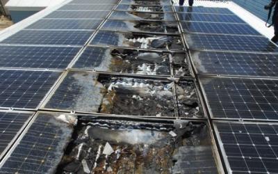 パネルの汚れが原因で火災になってしまった